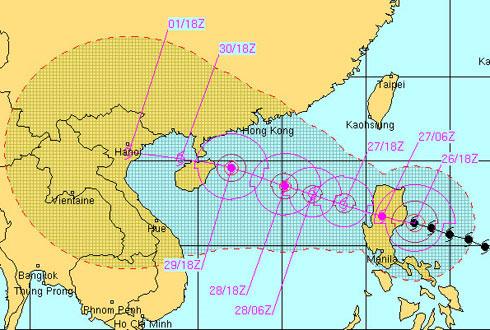 Bão Nesat mạnh cấp 13 vào biển Đông
