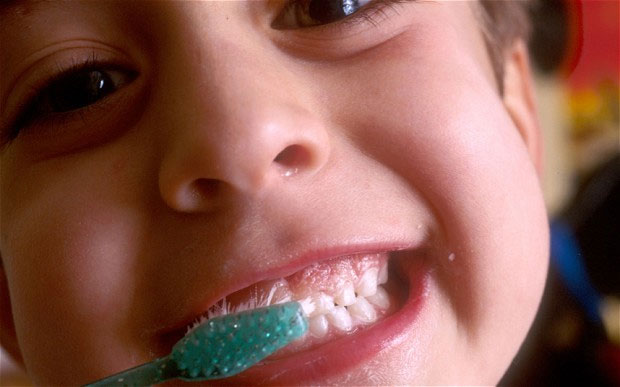 Dầu dừa giúp chống sâu răng