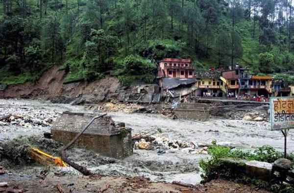 Ngập lụt ở Ấn Độ và Philippines, 45 người tử vong