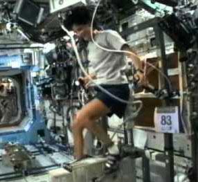 """Cuộc """"thi Olympic"""" đầu tiên giữa vũ trụ và Trái đất"""