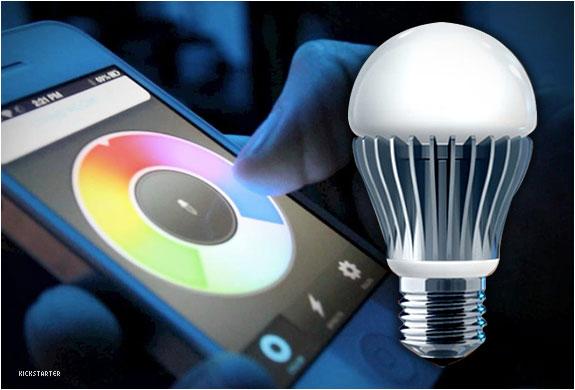 Điều khiển bóng đèn bằng điện thoại