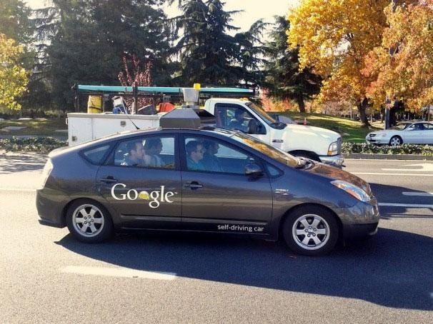 Cho phép xe tự lái lưu thông trên phố