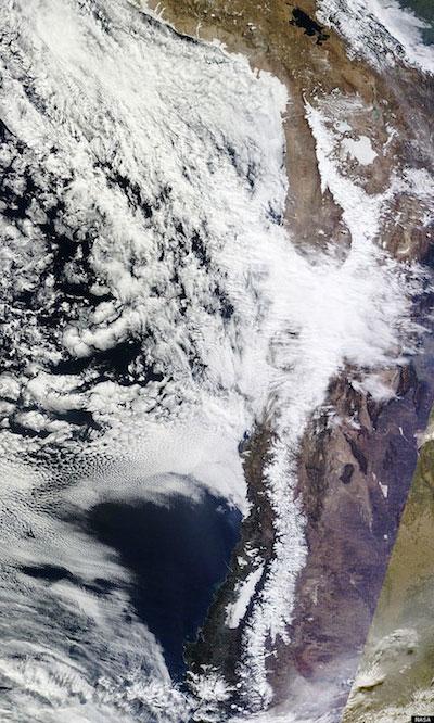 Hiện tượng tuyết rơi cực lạ trên sa mạc Atacama
