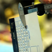 Video: Bàn phím mỏng như tờ giấy, không dây, cảm ứng