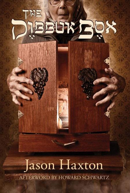 Trong tủ chứa một linh hồn ma quỷ xấu xa