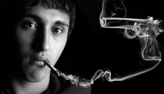 """Muốn người trẻ bỏ thuốc lá, hãy """"vuốt ve"""""""