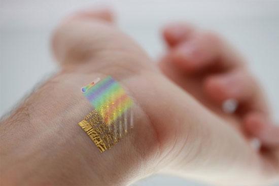 Đo thân nhiệt bằng hình xăm điện tử