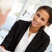 Phụ nữ hấp dẫn dễ tìm việc hơn