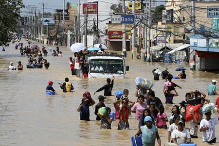 Cảnh lũ lụt nghiêm trọng tại tỉnh Bulacan, phía bắc Manila, Philippines.