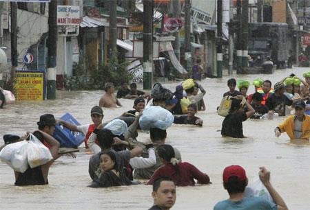 Philippines vật lộn với hậu quả hai cơn bão