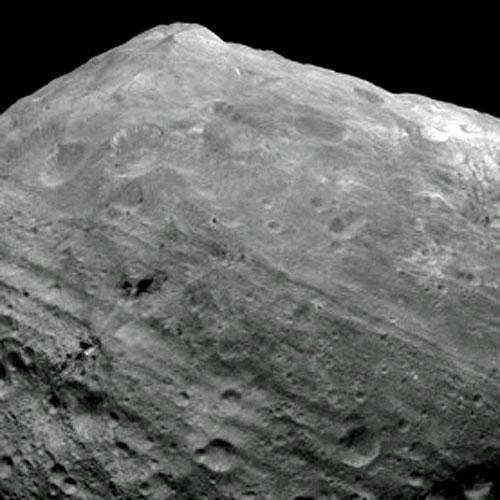 Hành tinh nhí có núi khổng lồ