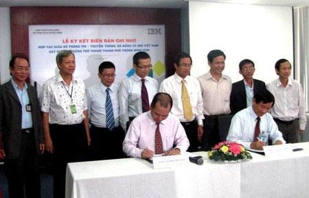 Sở Thông tin - Truyền thông Đà Nẵng và IBM Việt Nam ký kết biên bản ghi nhớ.