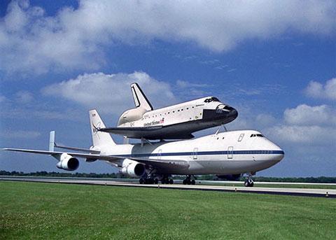 NASA chia tay tàu con thoi Endeavor