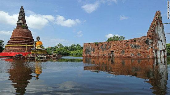 Thái Lan: 100 cá sấu sổng chuồng trong lũ