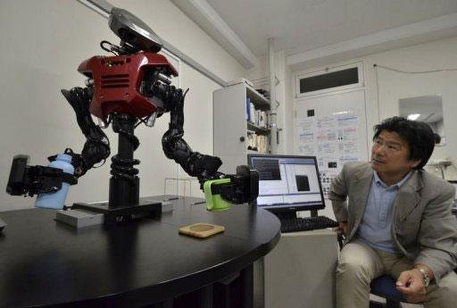 Video: Hệ thống SOINN giúp robot phục vụ nước