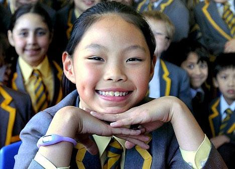 Cô bé 10 tuổi có thể nói thành thạo 10 ngoại ngữ