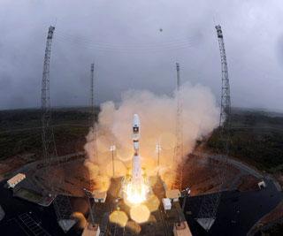 Video: châu Âu phóng hai vệ tinh định vị