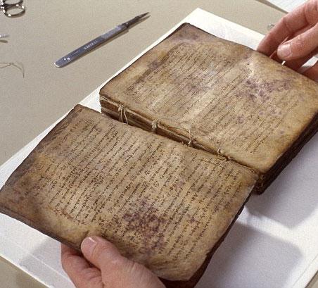 Bí ẩn bên trong cuốn kinh cầu nguyện từ thế kỷ 13