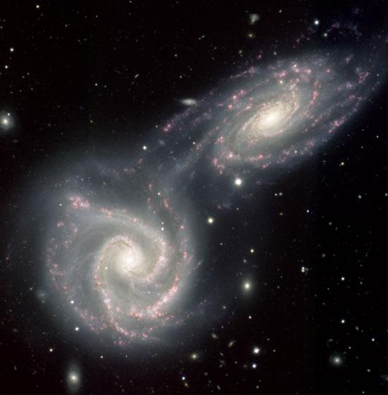 """Thiên hà """"ăn"""" nhau để lớn lên"""