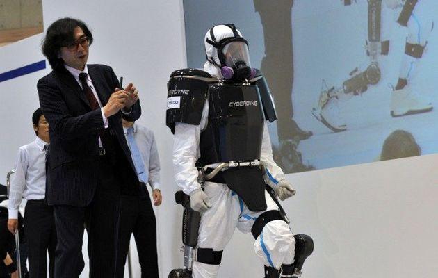 Khung robot cho công nhân nhà máy điện hạt nhân