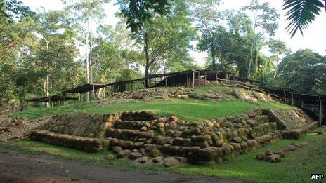 Ngôi mộ của Cha già Kền Kền ở miền tây Guatemala