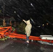 Bão số 8 suy yếu dần thành áp thấp nhiệt đới