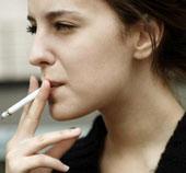 Phụ nữ bỏ thuốc lá trước tuổi 40 sẽ sống tăng 9 năm