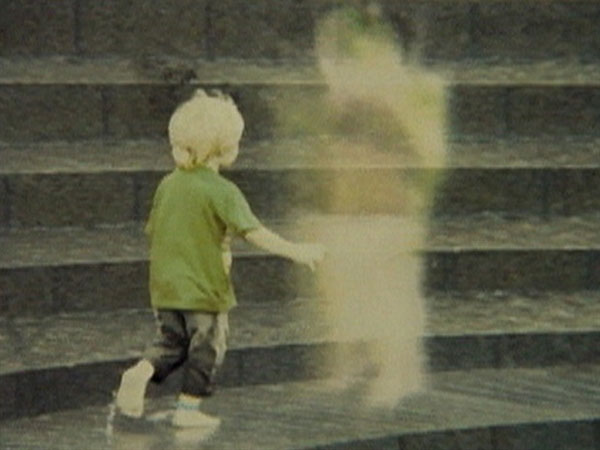 Một bóng ma trong phim Shutter vào năm 2008