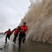 Hơn nửa triệu người Trung Quốc chạy bão lớn