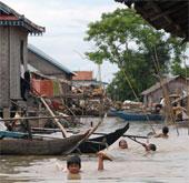 Hơn 100 người chết do lũ lụt, mưa lớn ở Campuchia