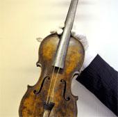 Đàn vĩ cầm trên tàu Titanic giá kỷ lục
