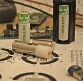 Điều khiển thiết bị điện tử với pin Batthead