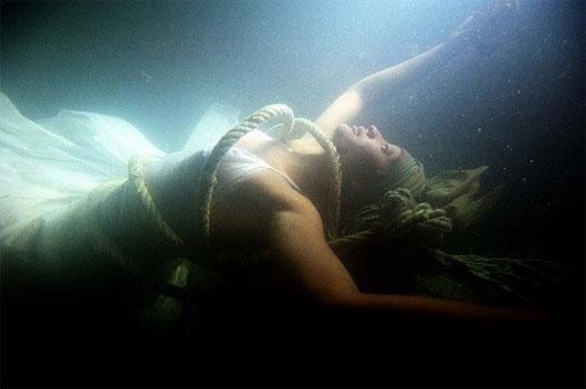 Tìm hiểu quá trình xác chết phân hủy dưới nước