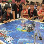 Học sinh Việt Nam tranh tài robot tại Đà Nẵng