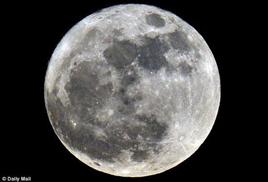 """Đua nhau lên Mặt trăng """"đào mỏ"""""""