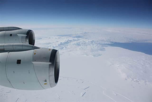 Phát hiện rãnh nứt khổng lồ tại sông băng Nam Cực