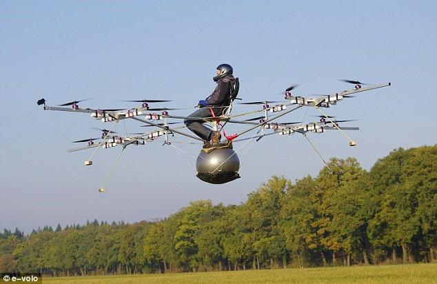 3 người Đức phát minh ra thiết bị bay 16 cánh quạt, đa năng