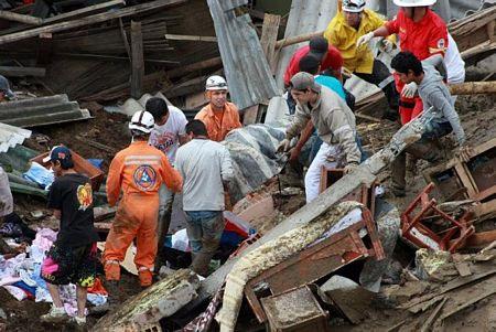 Video: Lở đất kinh hoàng tại Columbia