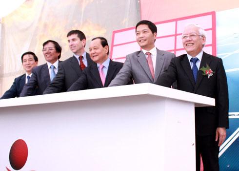 Nhà máy pin điện mặt trời khất hẹn với Việt Nam