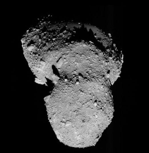 """NASA công bố video tiểu hành tinh """"viếng thăm"""" trái đất"""