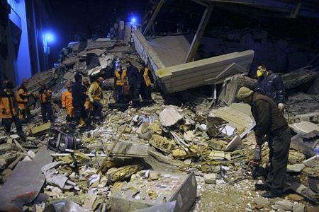 Lại động đất mạnh ở Thổ Nhĩ Kỳ, khách sạn đổ sập