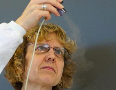Điều trị ung thư phổi bằng ống thuốc