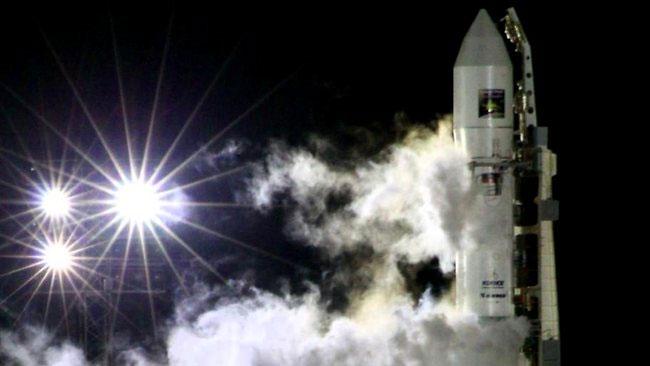 Tàu vũ trụ của Nga đang lao về Trái đất