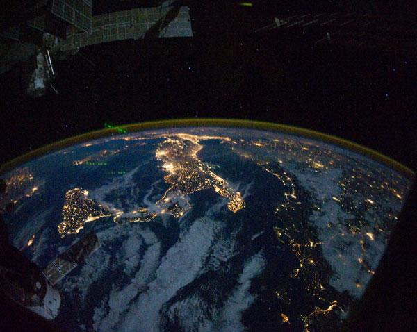 Video: Trái đất tuyệt đẹp nhìn từ ISS