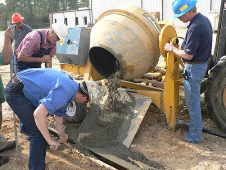 Vữa xi măng chứa barite có tác dụng ngăn các tia bức xạ trong quá trình sử dụng năng lượng hạt nhân.