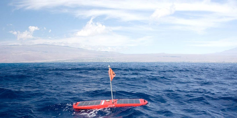 Thuyền robot xuyên qua Thái Bình Dương