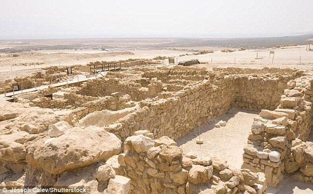Nghiên cứu tập trung vào những miếng vải tìm thấy ở Qumran, Israel. (Nguồn: Daily Mail)