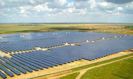 Thăm nhà máy điện mặt trời hàng đầu châu Âu