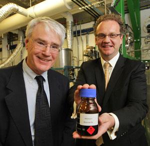 Sản xuất dầu sinh học, vật liệu thông dụng từ phế phẩm