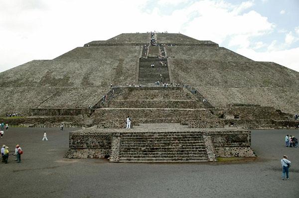 Kim tự tháp Mặt trời, Mexico
